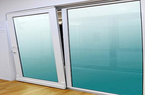 Energy windows venta y distribuci n de ventanas for Puertas osciloparalelas